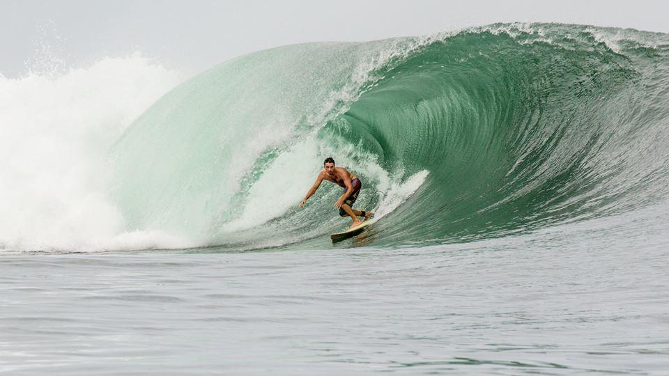 glen surfing the point morro negrito